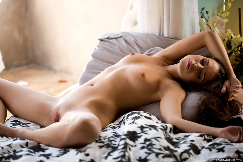 Красивые фотосеты голых девушек
