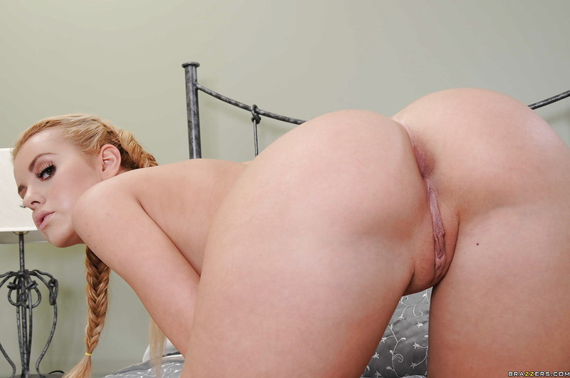 Naked pics jessie wallace naked her ass mexican girl